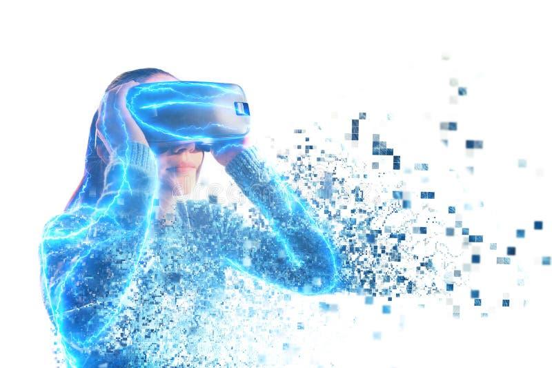 Una persona en vidrios virtuales vuela a los pixeles Concepto futuro de la tecnología imagen de archivo