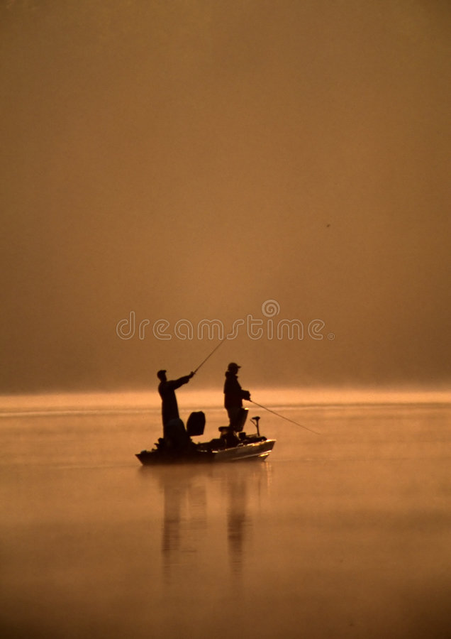 Una pesca dei due amici immagini stock libere da diritti