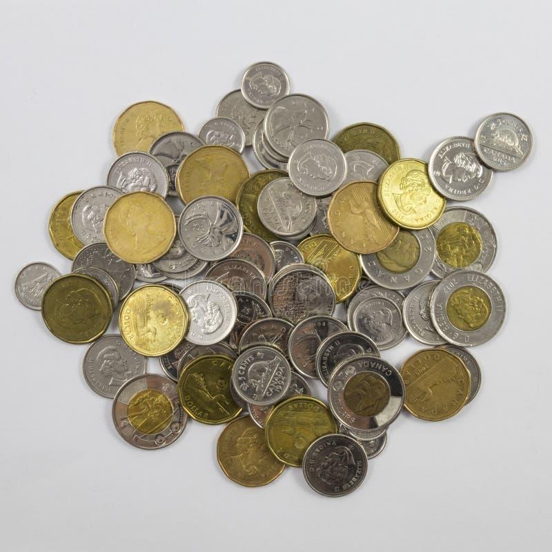 Una pila de cambio canadiense imagen de archivo