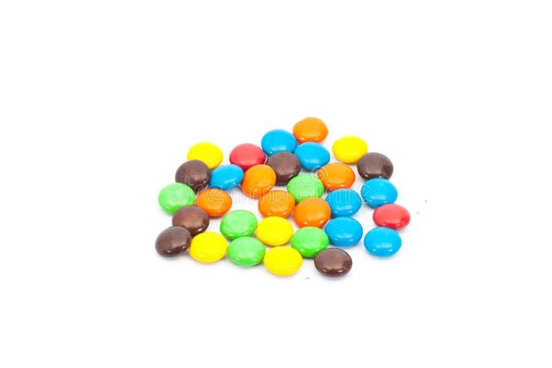 Una pila de caramelo recubierto de chocolate colorido foto de archivo libre de regalías