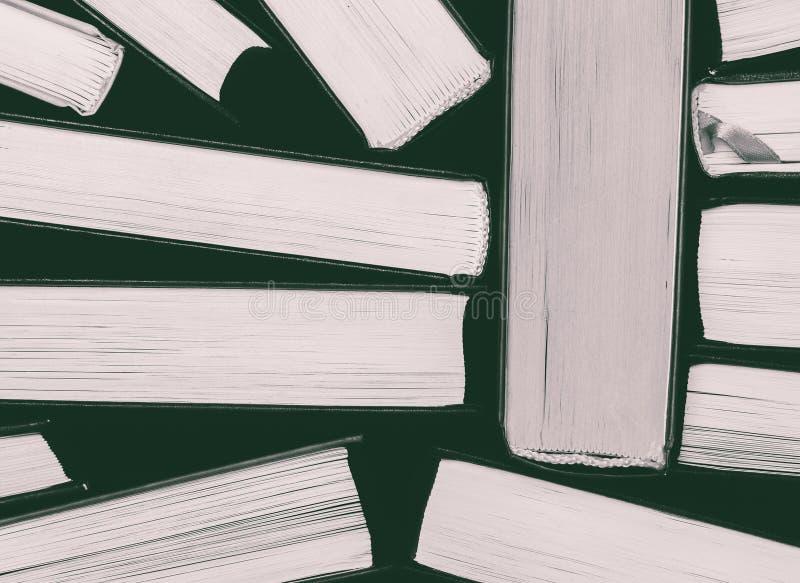 10 404 Blanco Y Negro Libros Fotos Libres De Derechos Y Gratuitas De Dreamstime
