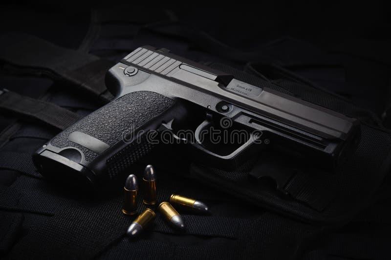 Una pistola automática imagenes de archivo