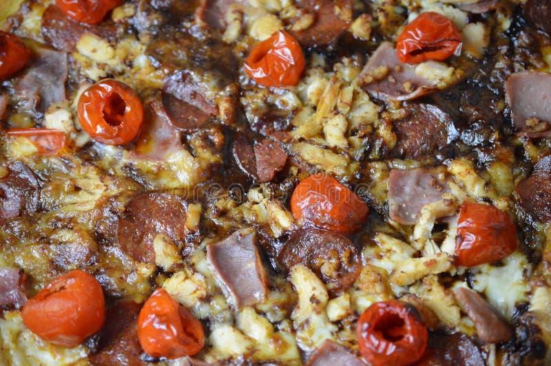 Una pizza hecha en casa deliciosa del jamón fotos de archivo