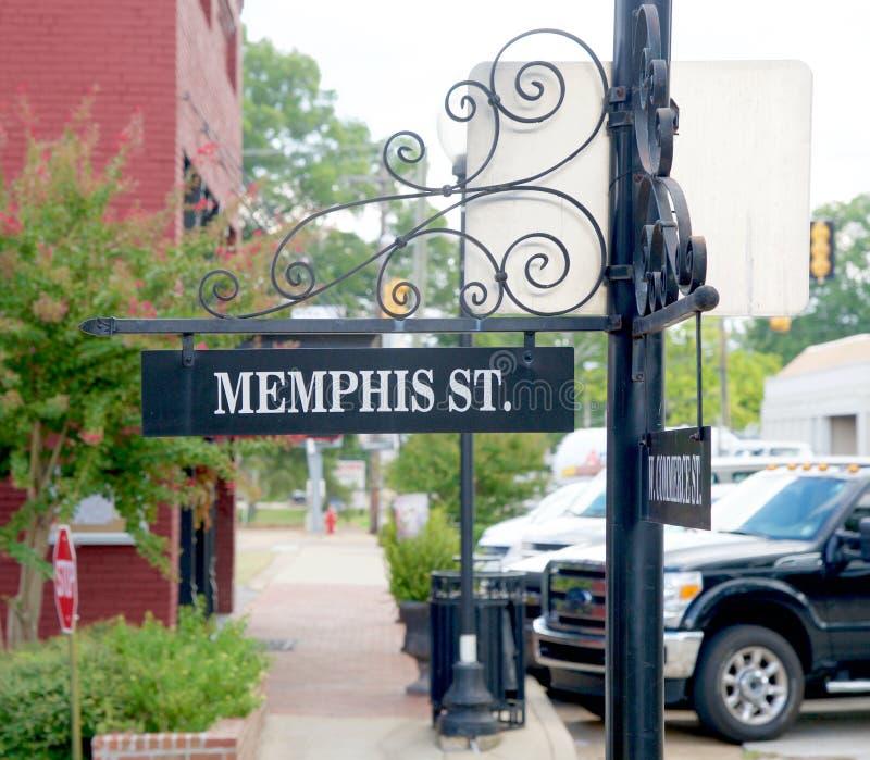 Una placa de calle con Memphis en ella imagenes de archivo