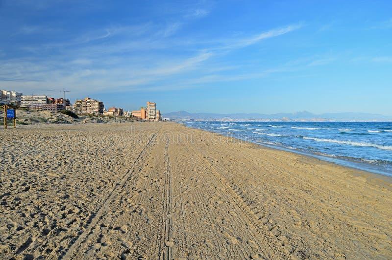 Una playa abandonada fotos de archivo libres de regalías
