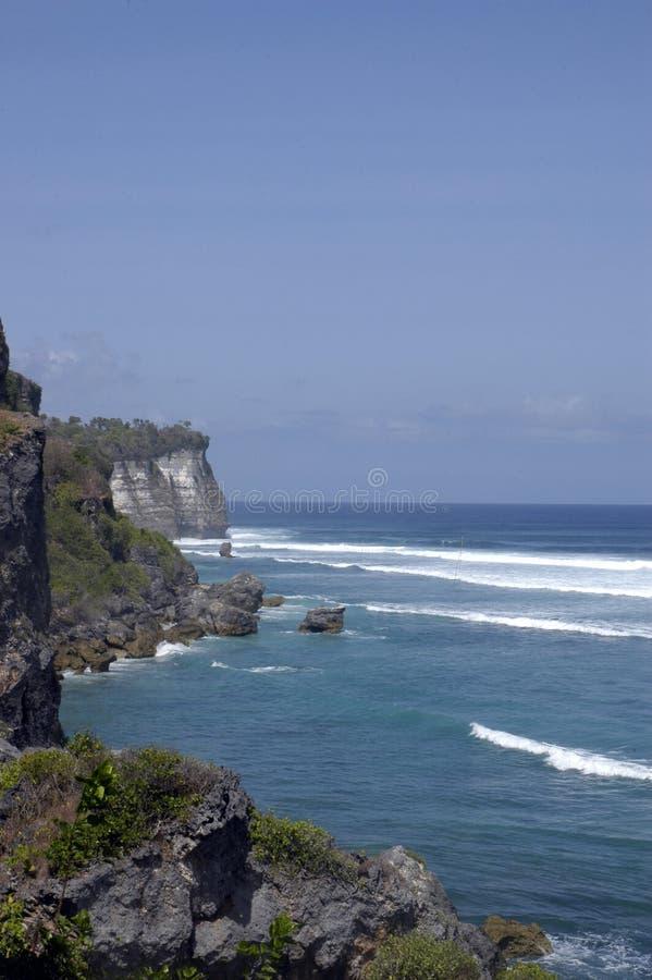 Una playa azul imagenes de archivo