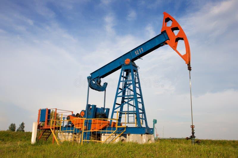 Una presa della pompa di olio immagini stock