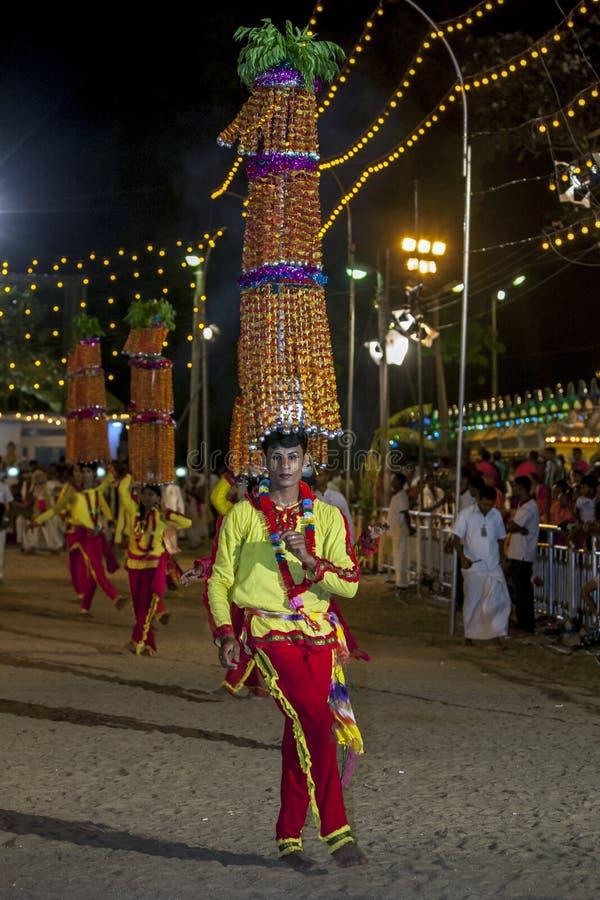 Una procesión del ejecutante de Natha Devala en el festival de Kataragama en Sri Lanka imágenes de archivo libres de regalías