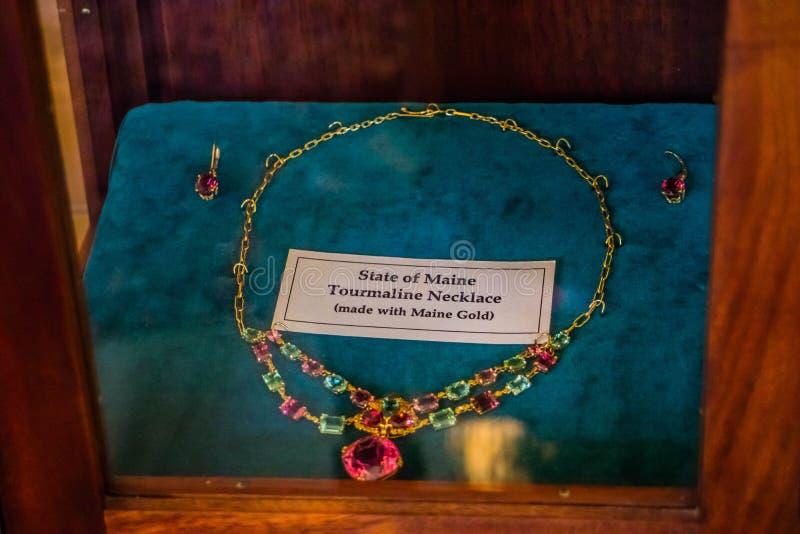 Una proprietà ha posseduto la collana fatta dell'oro di Maine a Augusta, Maine fotografia stock libera da diritti