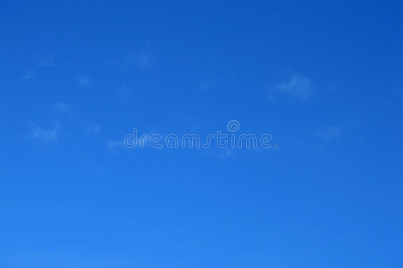 Una protezione del cielo blu fotografia stock libera da diritti