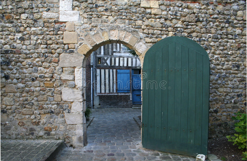 Una puerta al pasado foto de archivo