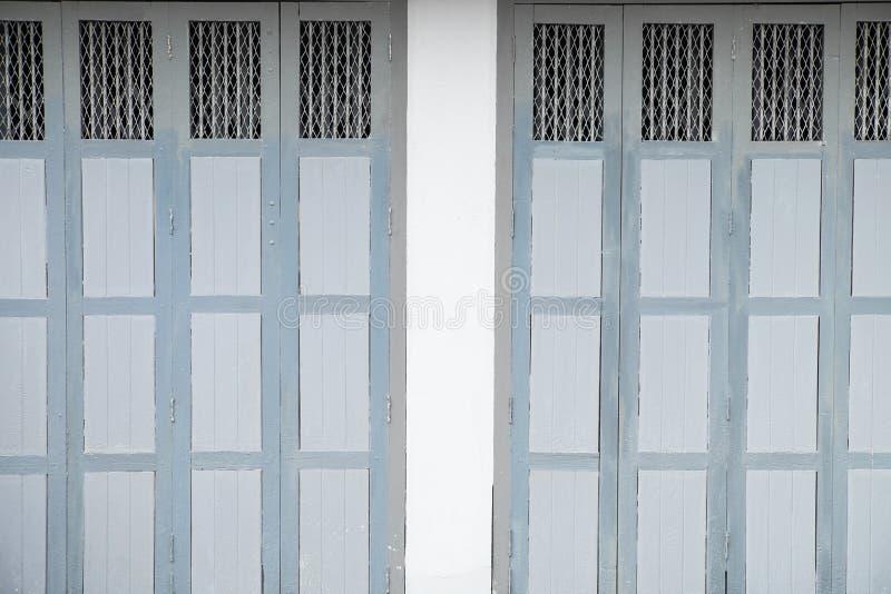 Una puerta del azul del vintage fotografía de archivo