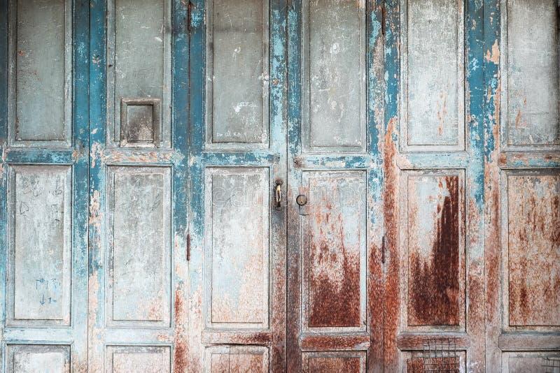 Una puerta del azul del vintage imagen de archivo libre de regalías