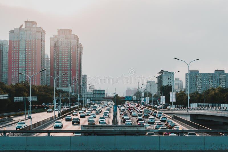 Una puesta del sol en un camino de Shangai fotos de archivo libres de regalías