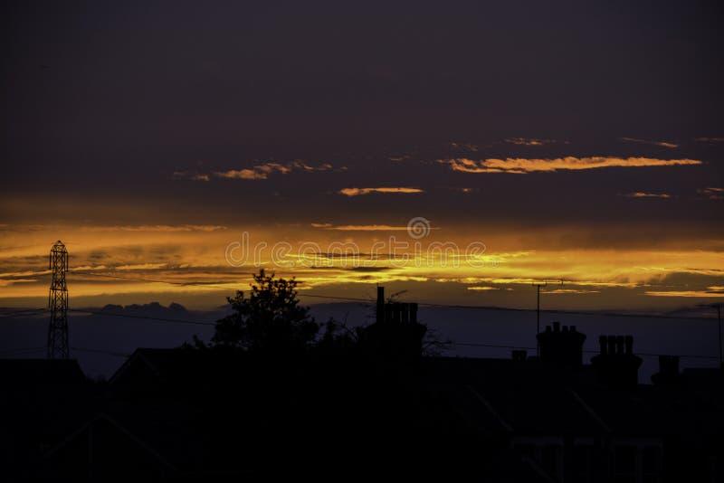 Una puesta del sol simple se da vuelta en infierno fotografía de archivo libre de regalías