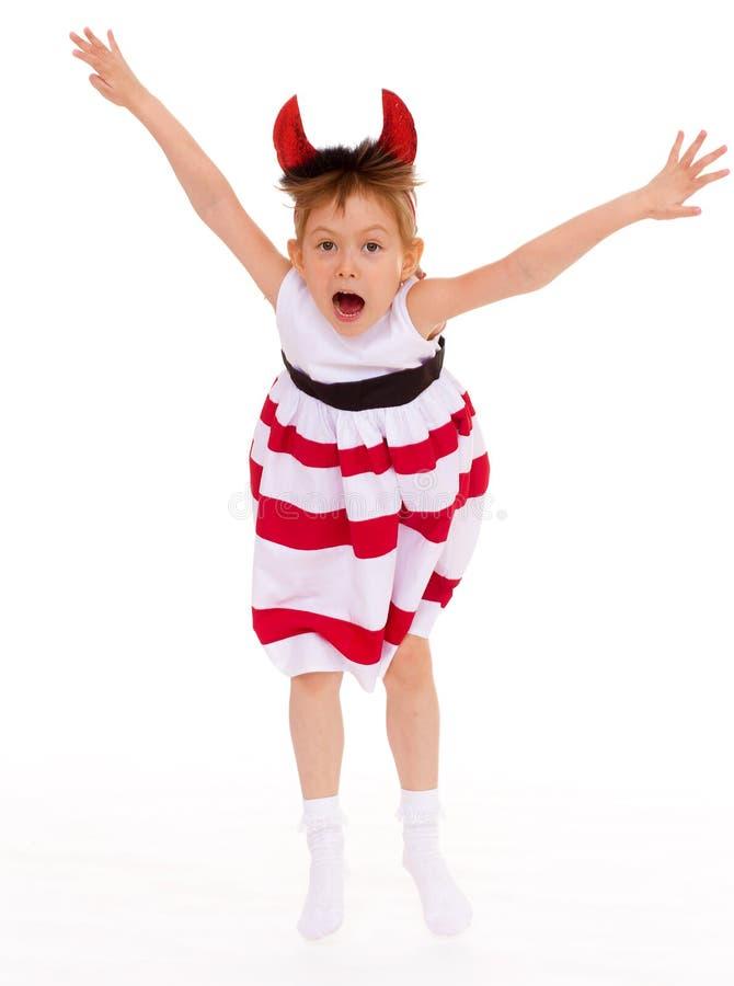 Una ragazza che indossa i corni capi. fotografie stock