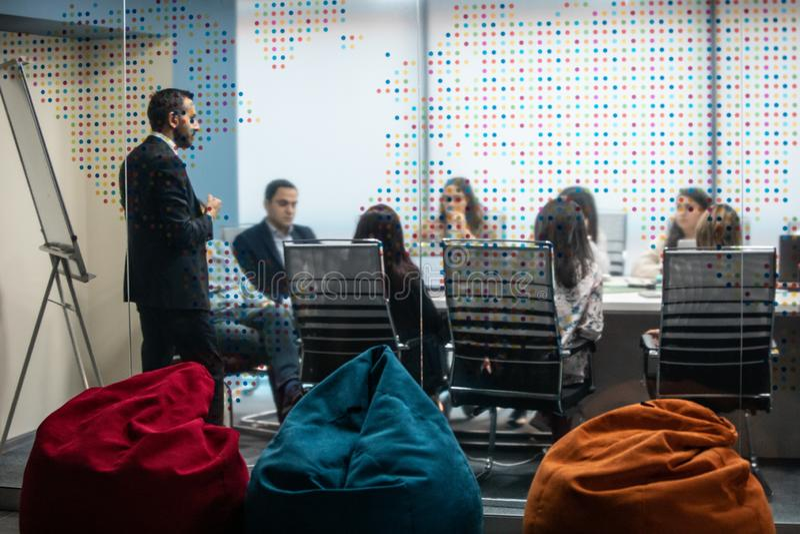 Una reunión de negocios imagen de archivo