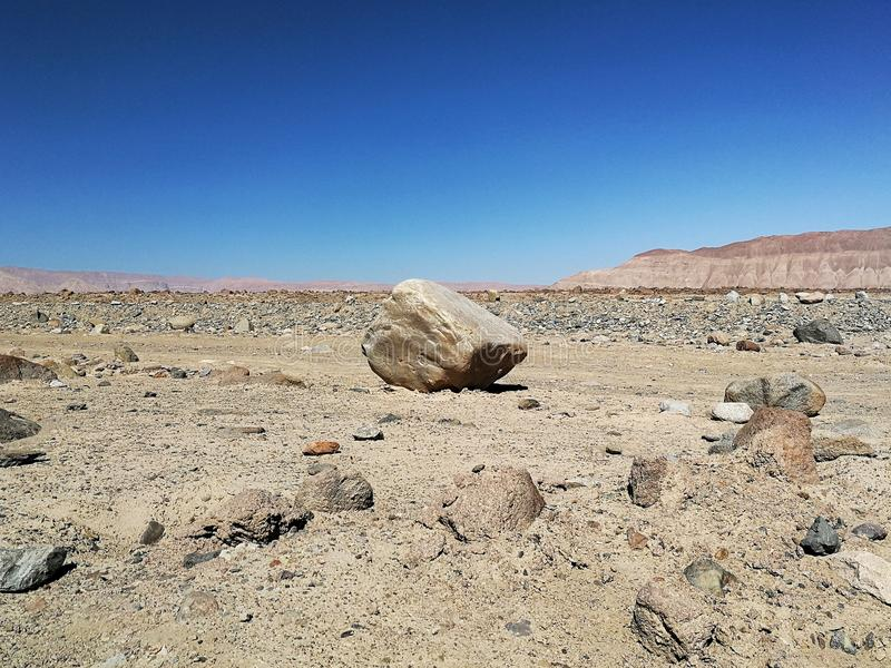 Una roca grande foto de archivo libre de regalías