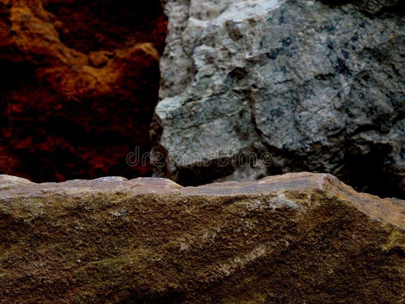 Una roccia di Forgeground per un espositore fotografia stock libera da diritti