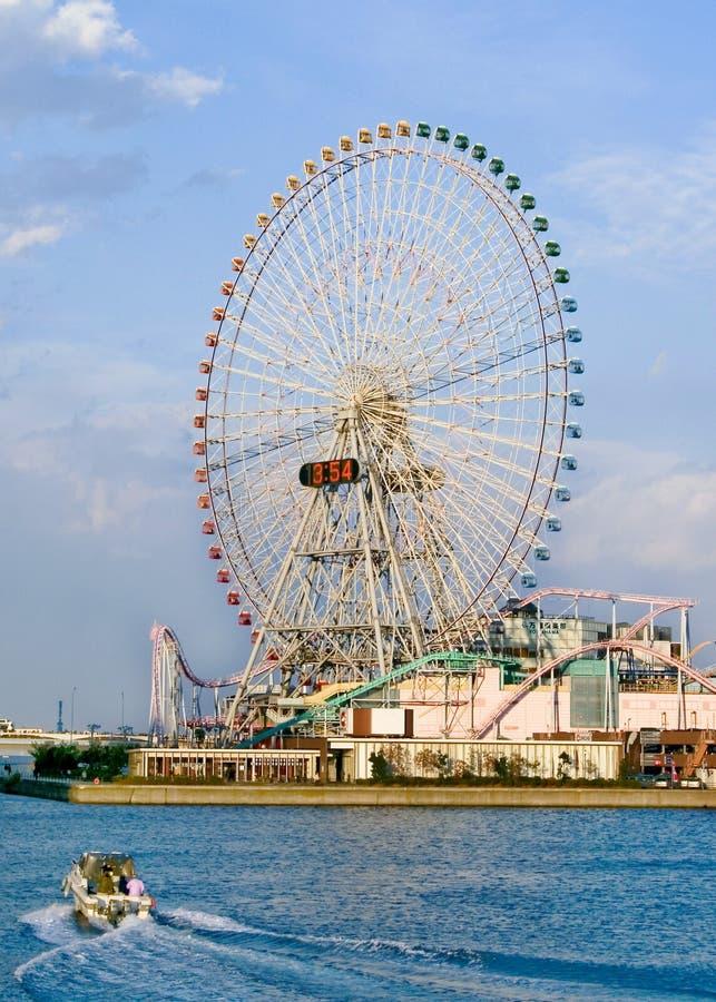 Una rotella di ferris gigante fotografia stock libera da diritti