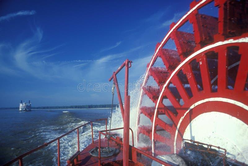 Una rueda de paleta del barco de vapor en el barco de vapor de la reina del delta, río Misisipi foto de archivo