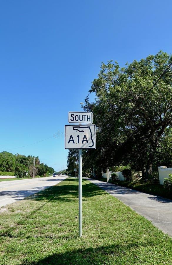 Una señal de tráfico de la carretera A1A imagen de archivo