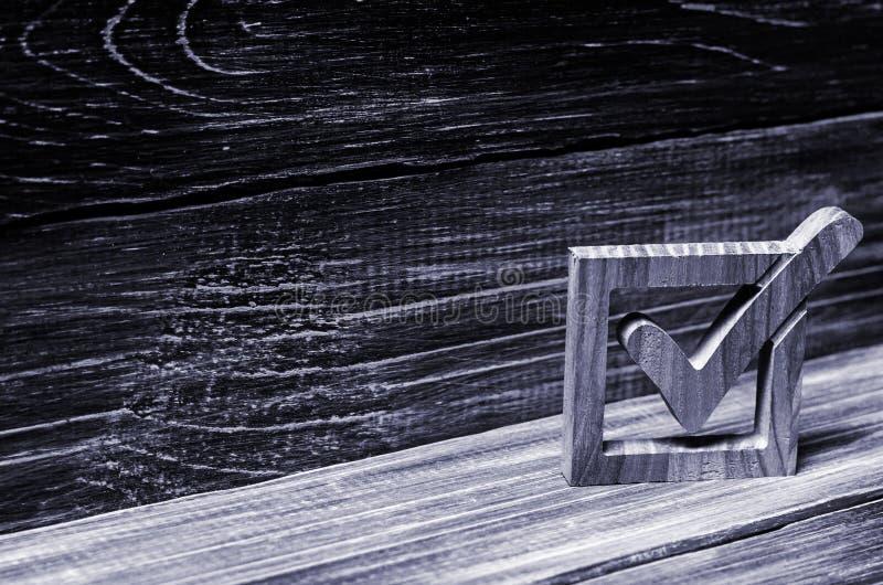 Una señal en elecciones del gobierno Opción del candidato El democra imágenes de archivo libres de regalías