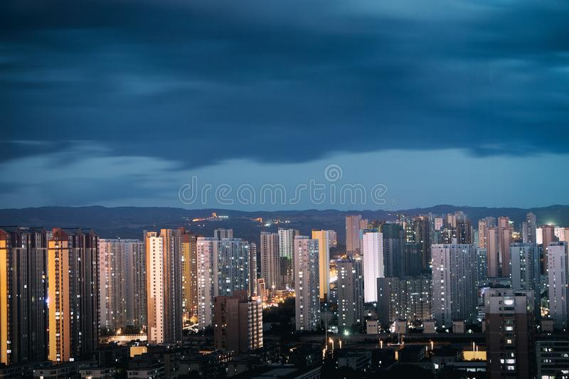 Una sera ventosa della città di Tai-Yuan immagini stock libere da diritti