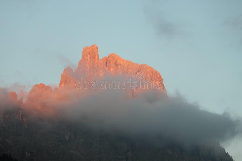 Una sommità delle dolomia di Trentino fotografia stock libera da diritti