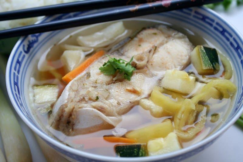 Una sopa de los pescados foto de archivo