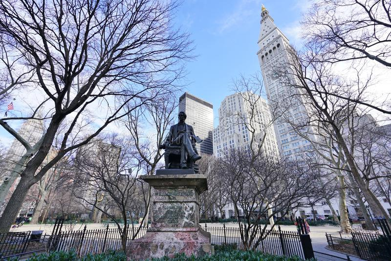Una statua bronzea di ex Segretario di Stato William Seward in New York fotografia stock