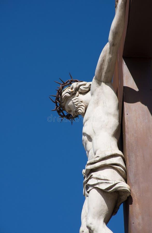 Una statua della crocifissione immagini stock libere da diritti