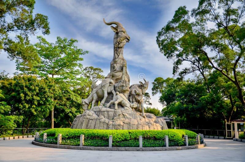 Una statua di cinque ram è il simbolo della città Guangdong Cina di cantone di Canton fotografia stock libera da diritti