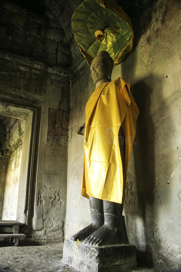 Una statua diritta sola di Buddha fotografia stock libera da diritti