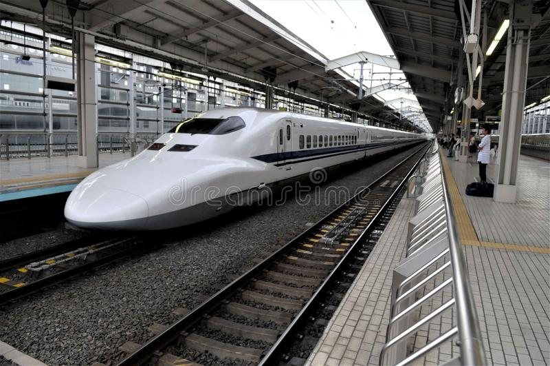 Una stazione ferroviaria del Giappone, Tokyo immagini stock
