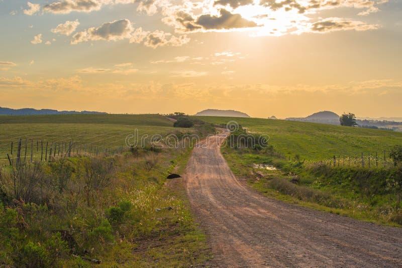 Una strada all'infinito fotografie stock libere da diritti