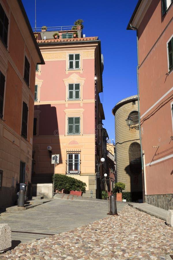Una strada tipica a Sestri Levante, Genova, Liguria, Italia, Europa immagini stock libere da diritti