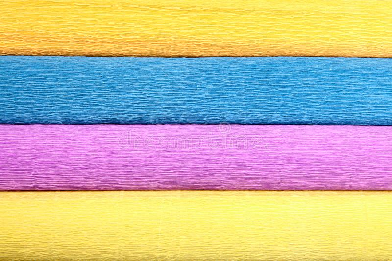 Una struttura di quattro di rotoli colorati di differente di carta corrugata fotografia stock