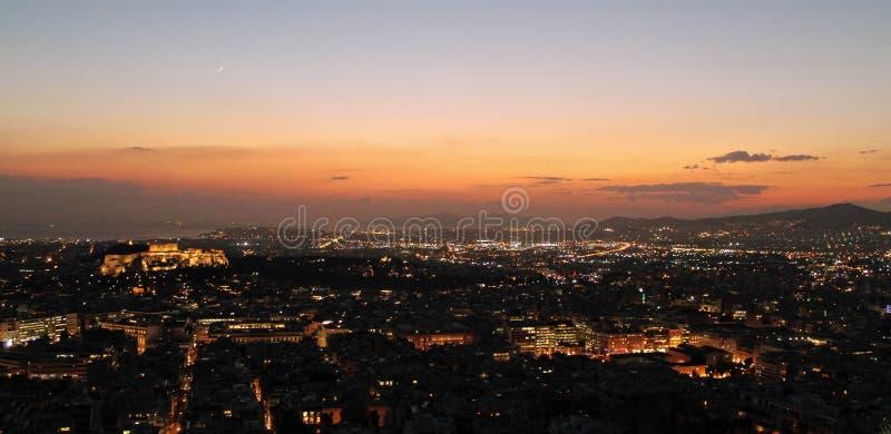 Una tarde pintoresca sobre Atenas imágenes de archivo libres de regalías