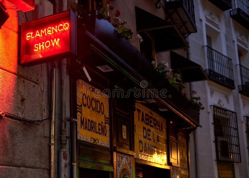 Una taverna nel centro di Madrid, Spagna immagine stock