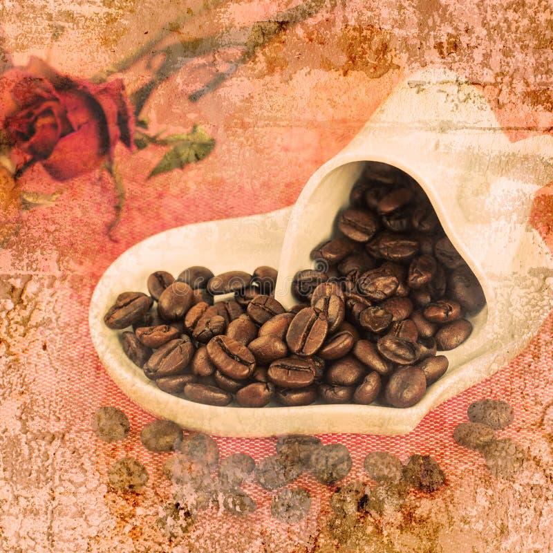 Una taza de café con el grano de café en la pared vieja texturizó el fondo imagenes de archivo