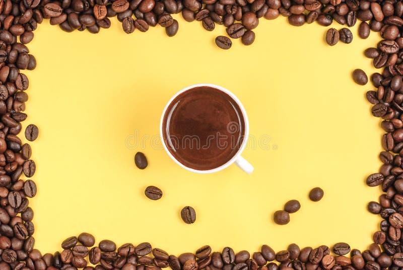 Una taza de caf? fresco Caf? turco foto de archivo