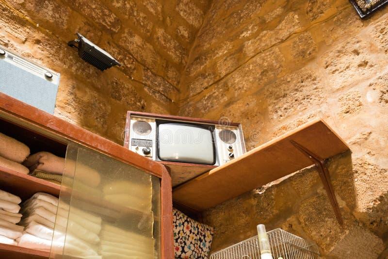 Una televisión vintage Hammam Al-Abd, un baño público en el centro histórico de Trípoli, Líbano fotos de archivo libres de regalías