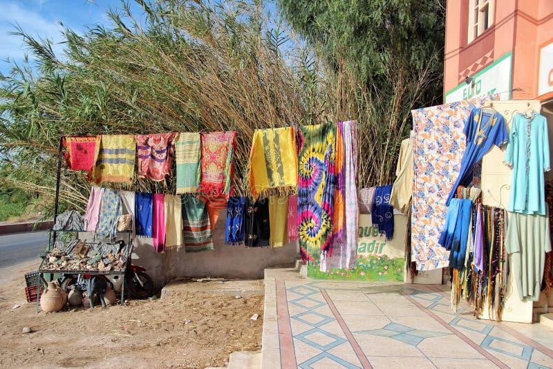 Una tienda cerca del desierto del Sáhara fotos de archivo