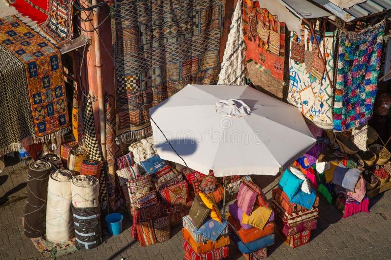 Una tienda de la alfombra imagen de archivo