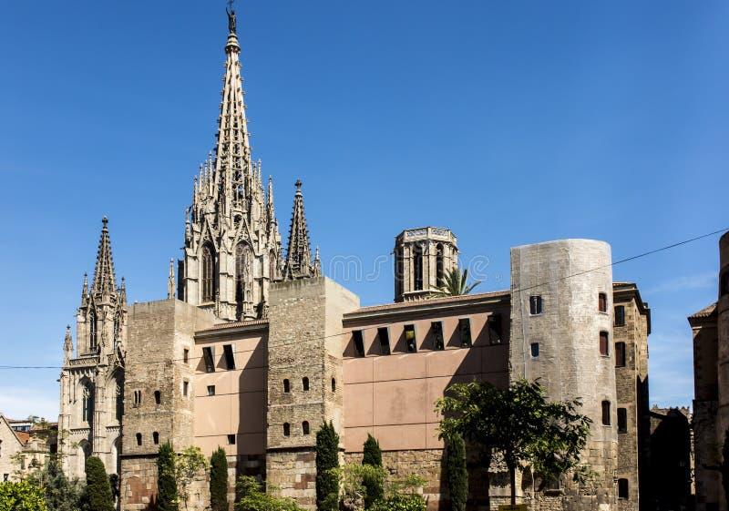 Una torre caratteristica della cattedrale del san Eulalia a Barcellona fotografie stock libere da diritti