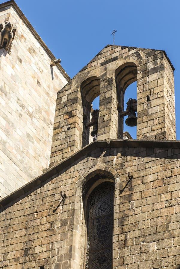 Una torre caratteristica della cattedrale del san Eulalia a Barcellona fotografia stock