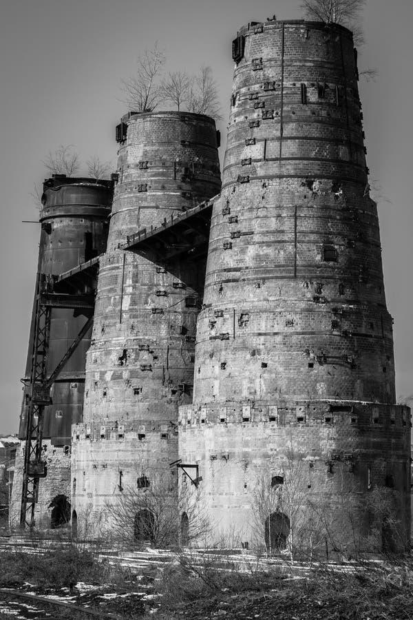 Una torre vieja de la cal en Poldi Metallurgy fotos de archivo libres de regalías