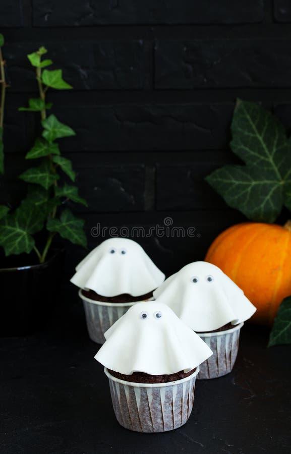 Una torta para Halloween imagenes de archivo