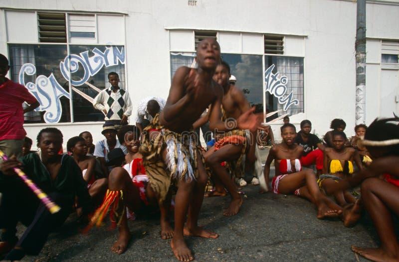 Una tribu étnica que se realiza en Johannesburg fotos de archivo libres de regalías